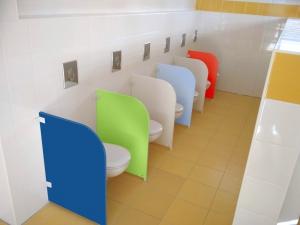 WC přepážka - deska barevná